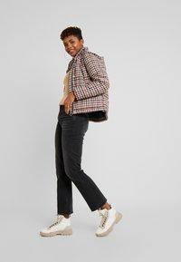 G-Star - CODAM HIGH KICK FLARE 7\8 WMN - Flared Jeans - worn in basalt - 1