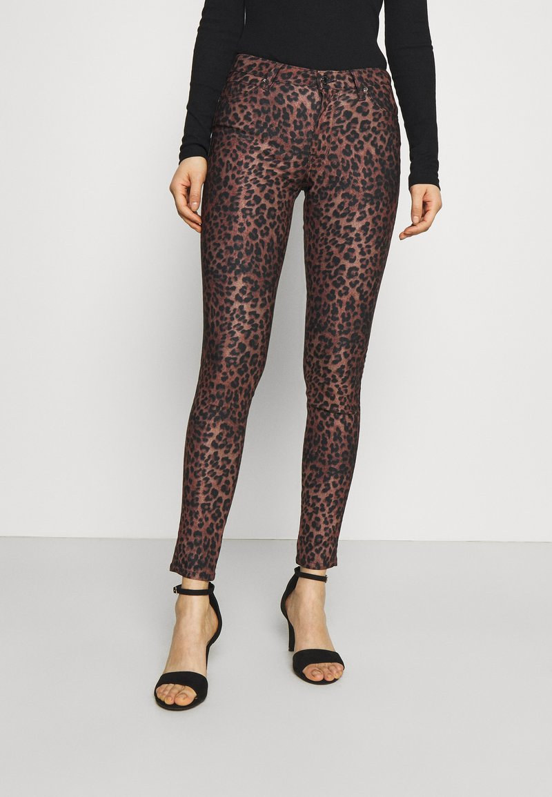 Guess - SEXY CURVE - Trousers - iconic leopard brown