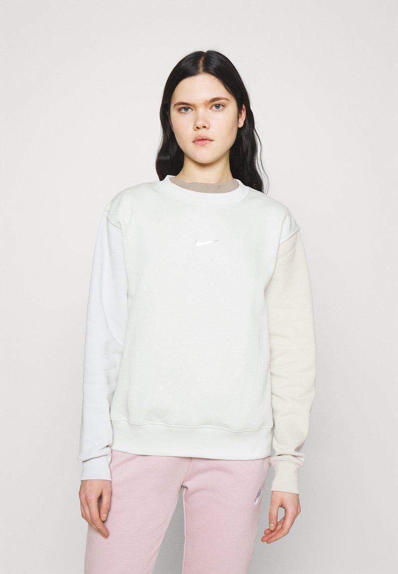 Nike Sportswear - Sweatshirt - spruce aura