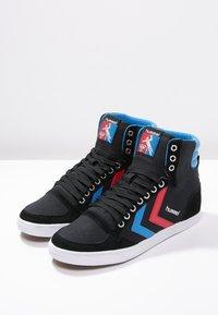 Hummel - SLIMMER STADIL - Sneakers hoog - black/blue/red - 2