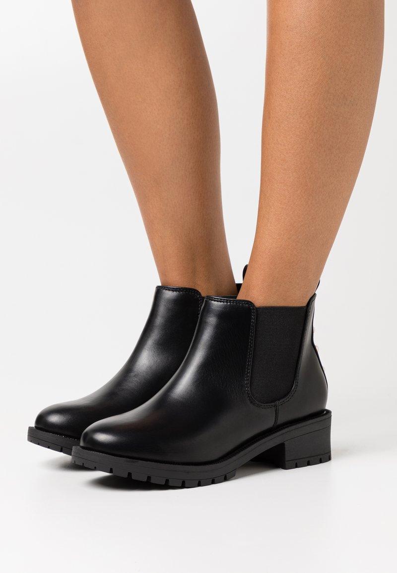 Bianco Wide Fit - WIDE FIT BIAPEARL CHELSEA BOOT - Kotníková obuv - black