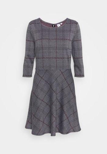 PONTE DRESS - Pletené šaty - grey/black