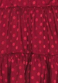 Chi Chi Girls - ZELLA DRESS - Koktejlové šaty/ šaty na párty - burgundy - 2