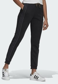 adidas Originals - Pantalon de survêtement - black - 2