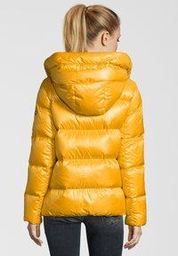 No.1 Como - LINDA - Down jacket - sun - 1
