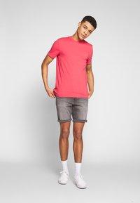 Calvin Klein Jeans - Jeansshort - light grey - 1