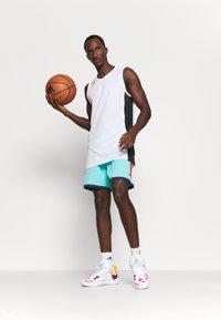adidas Performance - DAME ROLAND GARROS DAMIAN LILLARD SIGNATURE AEROREADY WARMING - Pantaloncini sportivi - pulse aqua - 1
