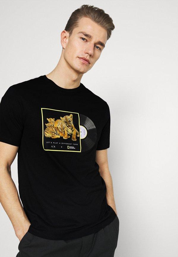 Armani Exchange T-shirt z nadrukiem - black/czarny Odzież Męska TXAR