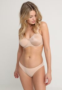 Triumph - ESSENTIAL  - Underwired bra - smooth skin - 1