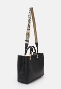 Emporio Armani - CAPSULE MYEABORSA SET - Handbag - nero/silver-coloured - 2