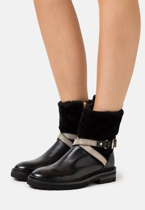 CHAIN ROAD - Bottines - black