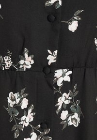 Vero Moda - VMFALLIE TIE DRESS - Skjortekjole - black - 11