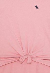 Abercrombie & Fitch - Camiseta básica - blush - 2