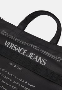 Versace Jeans Couture - UNISEX - Velká kabelka - black - 6