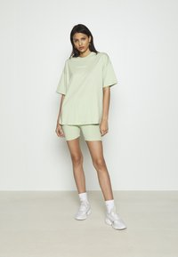 Missguided - COORD & CYCLING  MISSGUIDED SET - Shorts - green - 0