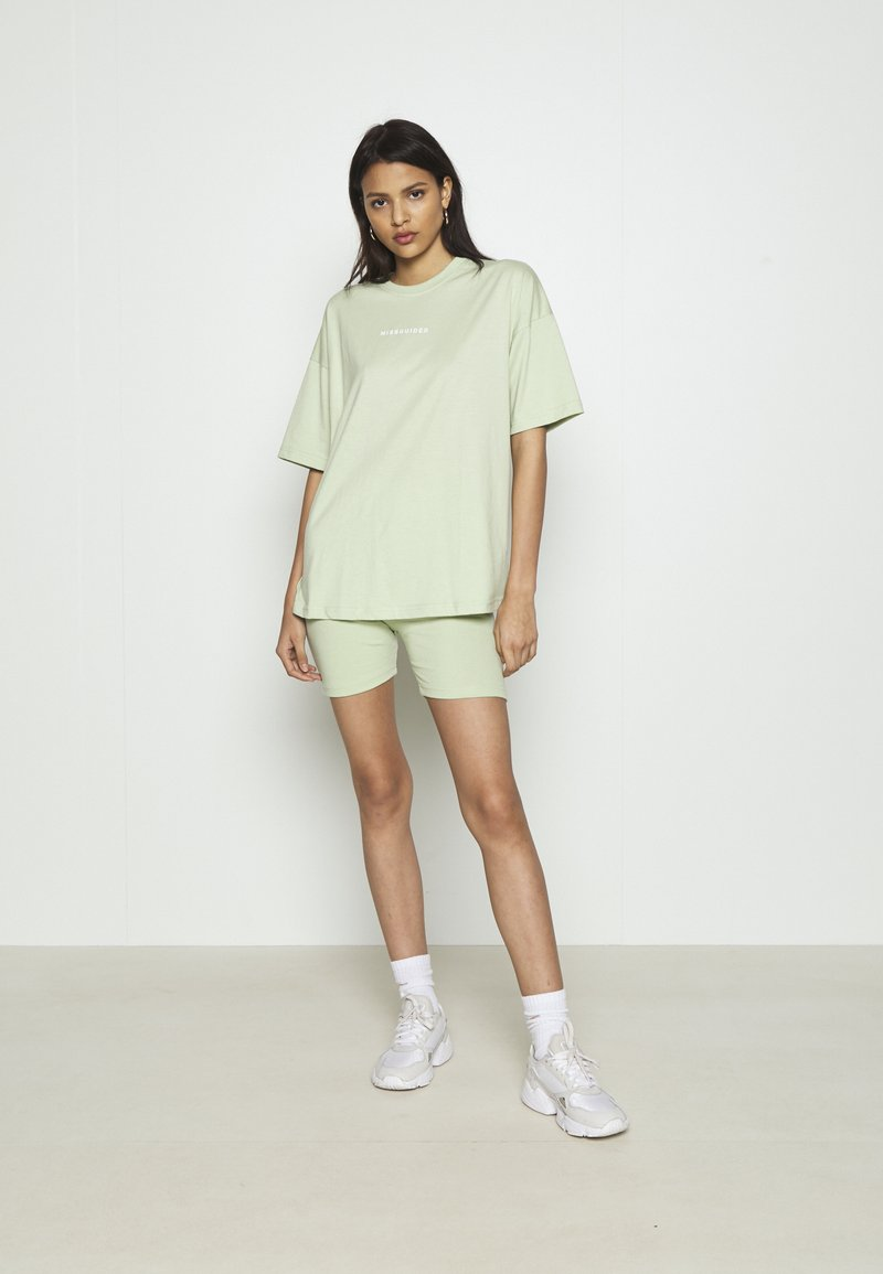 Missguided - COORD & CYCLING  MISSGUIDED SET - Kraťasy - green
