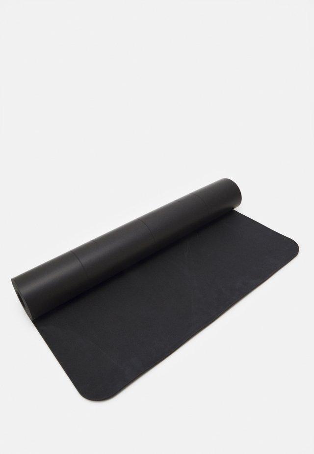 CASALL YOGA MAT GRIP CUSHION III 5MM - Fitness / Yoga - black
