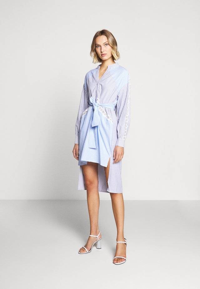 ODETTE DRESS - Skjortekjole - blue
