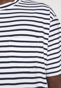 NN07 - KURT - T-shirt imprimé - navy stripe - 5