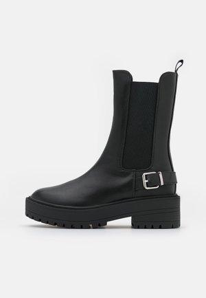 HIGH CHELSEA BOOT - Platform-saappaat - black