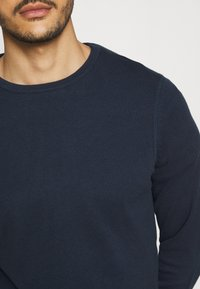 Marc O'Polo - CREW NECK - Neule - total eclipse - 5