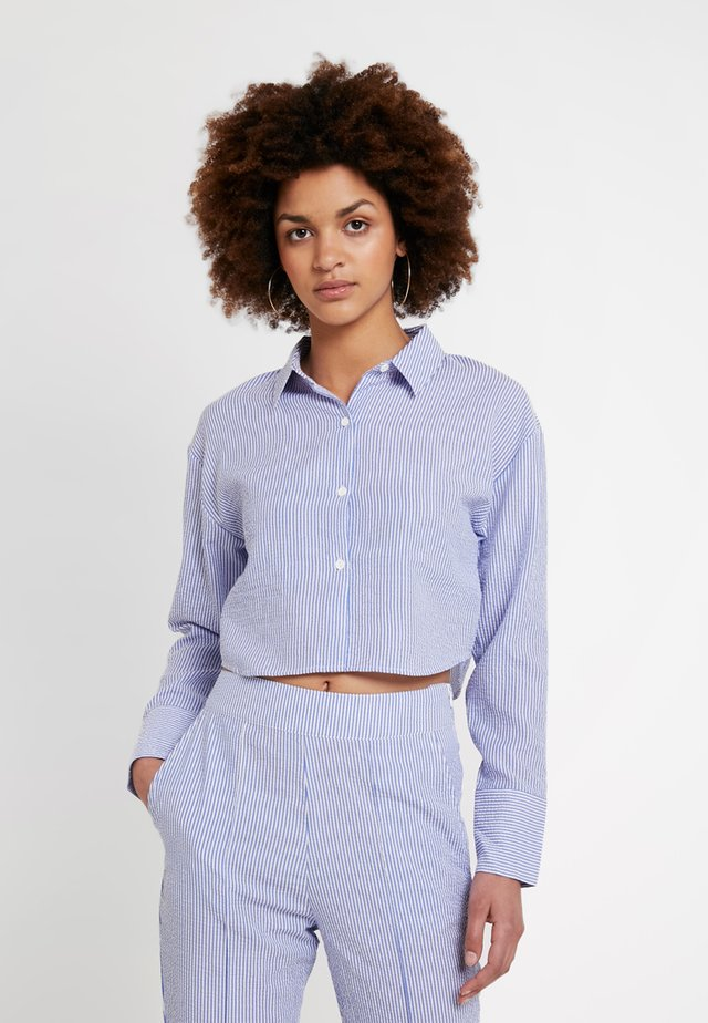 CROPPED - Blus - blue mix