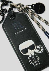 KARL LAGERFELD - K/ZODIAC SCORPIO - Key holder - black/multi - 2