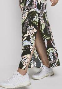 TOM TAILOR DENIM - TROPICAL  - Maxi dress - black tropical print - 1