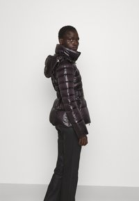 Patrizia Pepe - PUFFER BELTED - Winter jacket - nero - 4