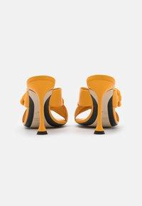 N°21 - MULE - Pantofle na podpatku - yellow - 3