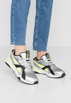 NOVA 2 FUNK  - Sneaker low - metallic silver/yellow alert/black