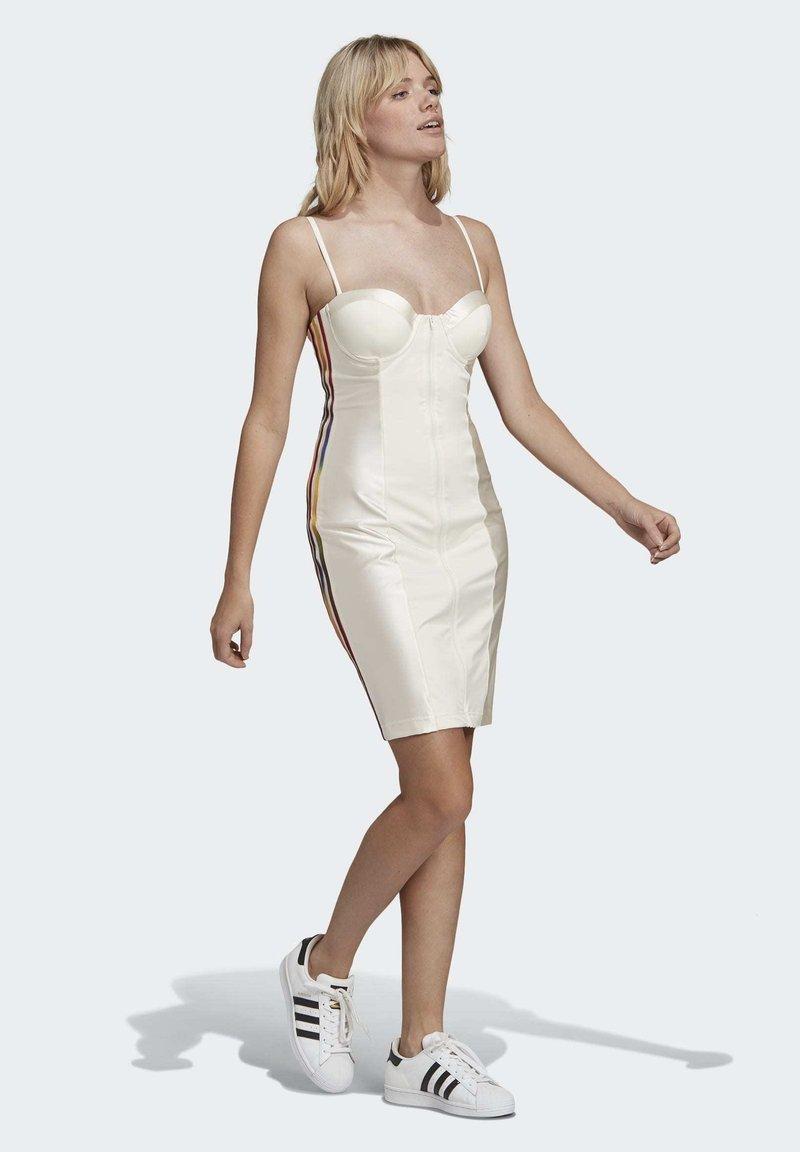 adidas Originals - PAOLINA RUSSO COLLAB SPORTS INSPIRED SLIM DRESS - Sukienka etui - chalk white
