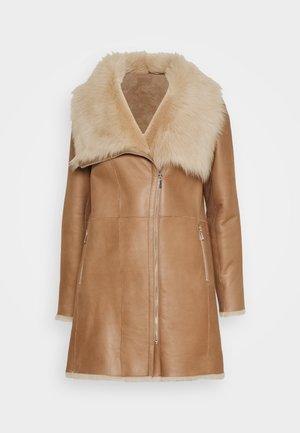 CLASSIC COAT - Winter coat - camel/light camel