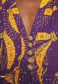 Farm Rio - BOROGODO BANANAS DRESS - Shirt dress - purple/yellow - 6