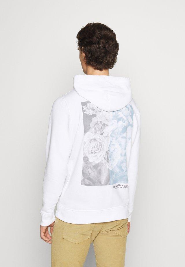 PHOTOREAL LOGO CHASE - Sweatshirt - white