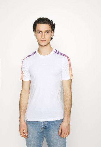 STRIPE UNISEX - Camiseta estampada - white/multicolor