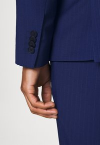 Tommy Hilfiger Tailored - FLEX STRIPE SLIM FIT SUIT SET - Oblek - blue - 7
