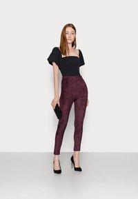 Missguided Tall - Leggings - Trousers - plum - 1