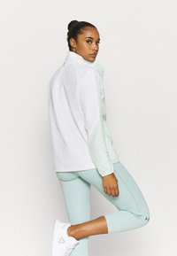 Under Armour - RECOVER JACKET - Verryttelytakki - white - 2