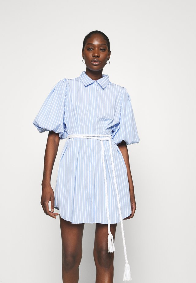 THE CRYSTAL SEA DRESS - Shirt dress - blue/white