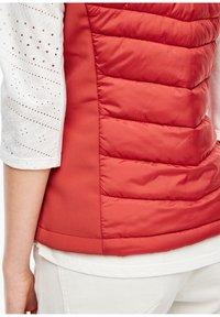 s.Oliver - Waistcoat - dark red - 4