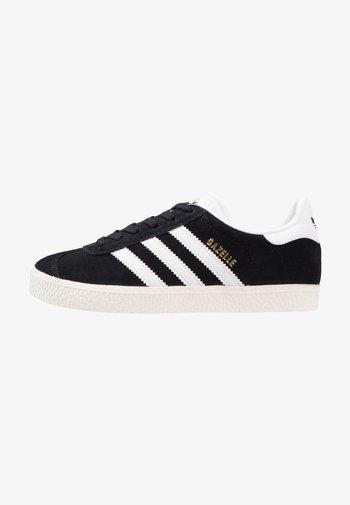 GAZELLE - Trainers - core black/white/gold metallic