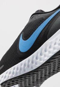 Nike Performance - REVOLUTION 5 - Zapatillas de running neutras - black/university blue/laser orange/white/anthracite - 5