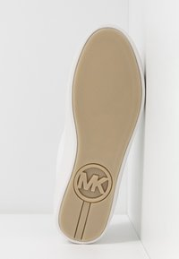 MICHAEL Michael Kors - KIRBY LACE UP - Tenisky - optic white/brown - 6