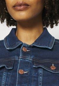 Guess - DELYA TRUCKER - Denim jacket - so chic - 5
