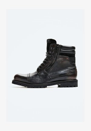 WOODLAND - Lace-up ankle boots - factory black