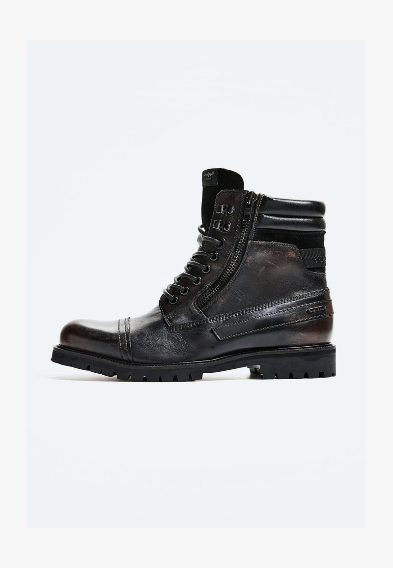 Pepe Jeans - WOODLAND - Šněrovací kotníkové boty - factory black