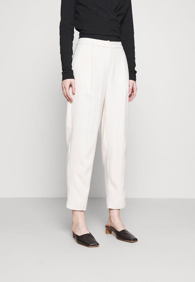 CINDYSUS DAGNY PANT - Trousers - sandstorm