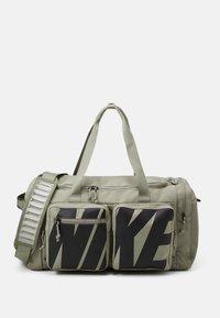 Nike Performance - UTILITY POWER M DUFF UNISEX - Torba sportowa - light army/black - 0