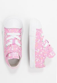 Converse - CHUCK TAYLOR ALL STAR FLORAL - Tenisky - peony pink/topaz gold/white - 0